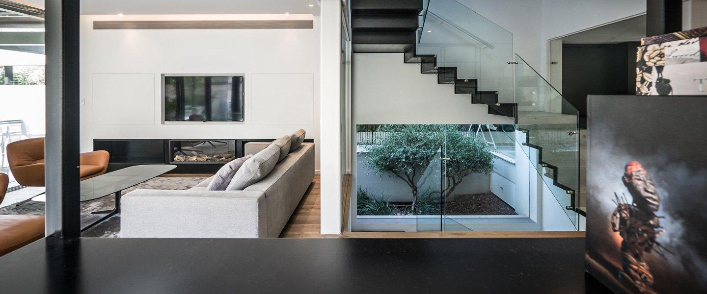 בית במרכז- אלומיניום מינימל- עגנון גרנות